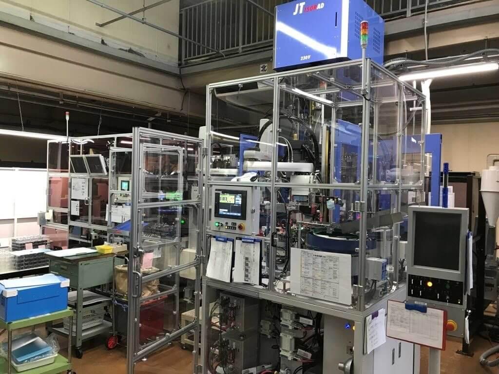 自動化装置の開発と販売 -インサート成形編-
